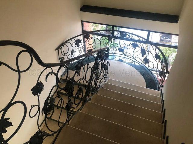 Apartamento Distrito Metropolitano>Caracas>Santa Eduvigis - Venta:650.000 Precio Referencial - codigo: 21-9932