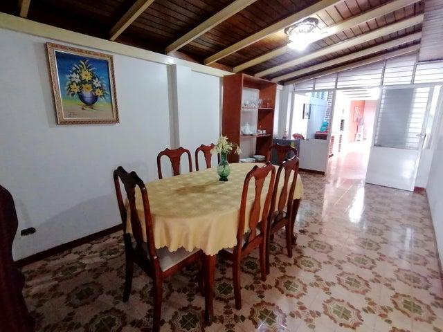 Casa Lara>Barquisimeto>Parroquia Catedral - Venta:63.000 Precio Referencial - codigo: 21-9933