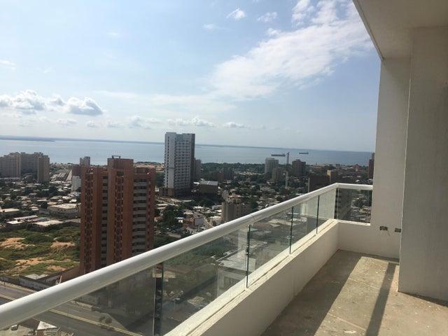 Apartamento Zulia>Maracaibo>La Lago - Venta:134.000 Precio Referencial - codigo: 21-9982