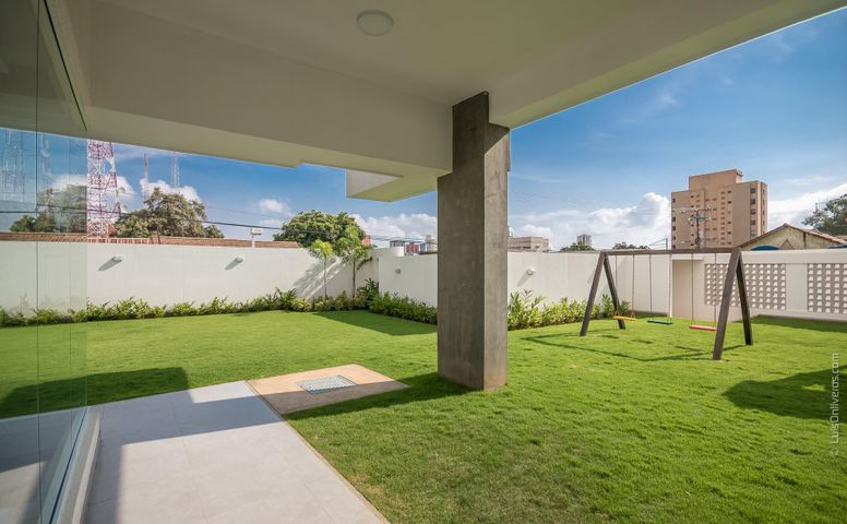 Apartamento Zulia>Maracaibo>La Lago - Venta:156.000 Precio Referencial - codigo: 21-9983
