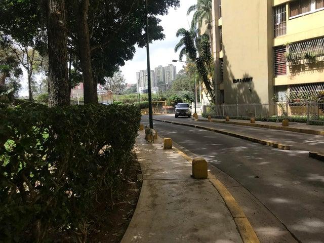 Apartamento Miranda>Los Teques>Los Teques - Venta:16.000 Precio Referencial - codigo: 21-10025