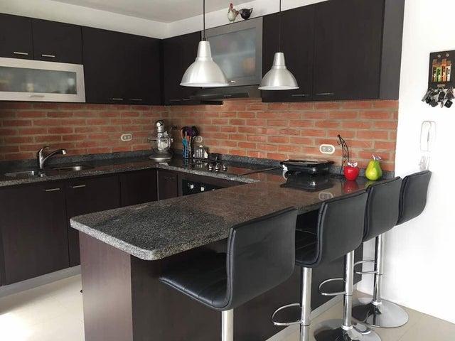 Apartamento Distrito Metropolitano>Caracas>Bosques de la Lagunita - Venta:21.700 Precio Referencial - codigo: 21-10102