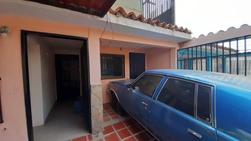 Casa Lara>Cabudare>El Trigal - Venta:14.000 Precio Referencial - codigo: 21-10107