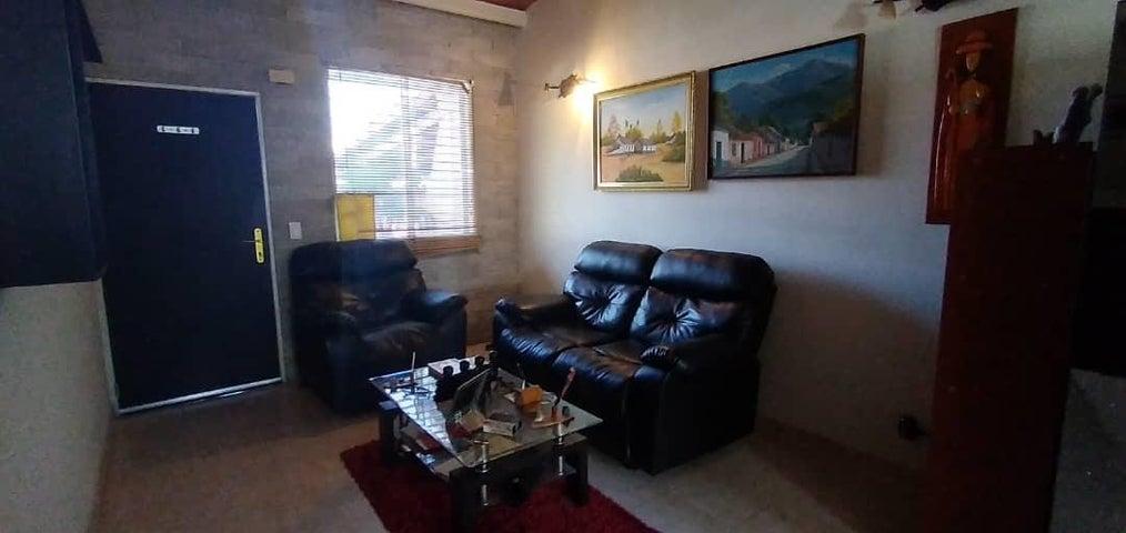 Casa Lara>Cabudare>Parroquia Jose Gregorio - Venta:15.000 Precio Referencial - codigo: 21-10112