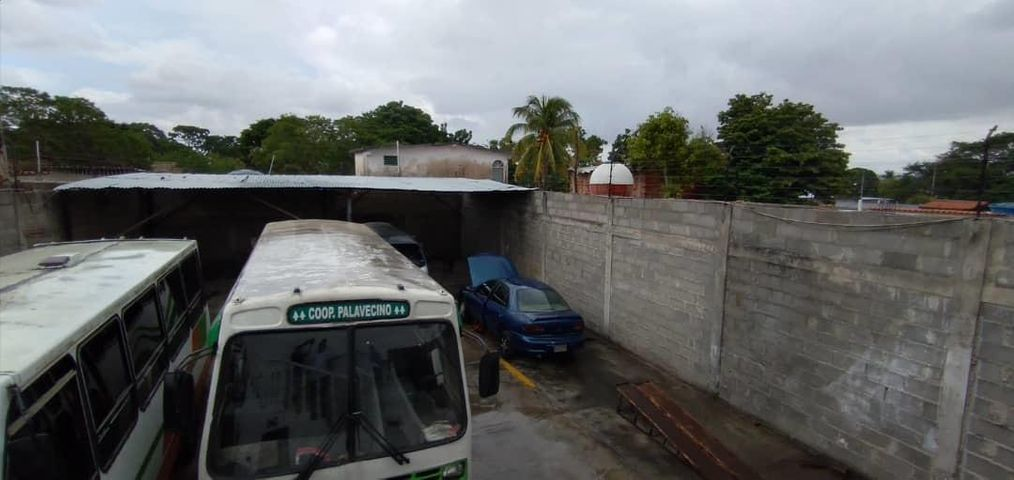 Local Comercial Lara>Cabudare>Parroquia Cabudare - Venta:73.000 Precio Referencial - codigo: 21-10135