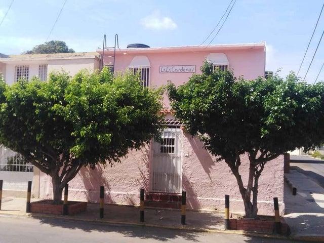 Casa Zulia>Maracaibo>El Naranjal - Venta:13.000 Precio Referencial - codigo: 21-10147