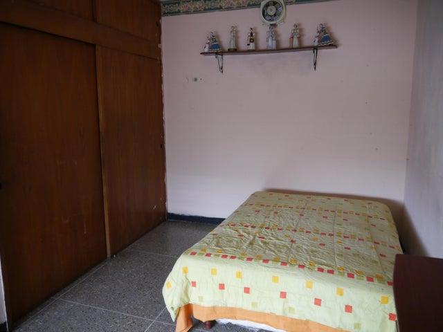 Casa Lara>Barquisimeto>Zona Este - Venta:35.000 Precio Referencial - codigo: 21-10222