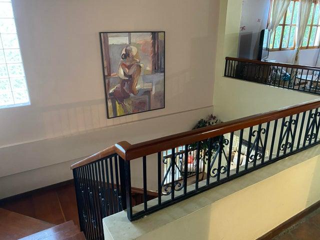 Casa Distrito Metropolitano>Caracas>Prados del Este - Venta:458.000 Precio Referencial - codigo: 21-10239