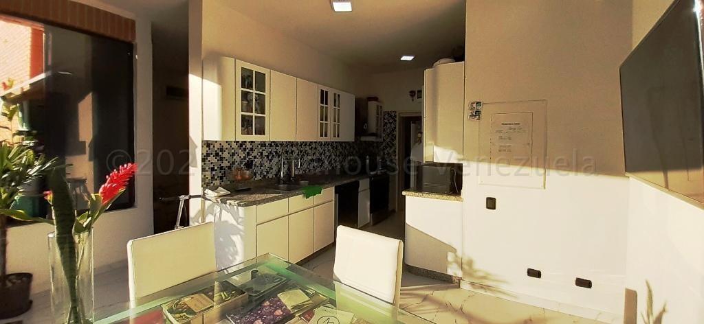 Apartamento Distrito Metropolitano>Caracas>Guaicay - Venta:145.000 Precio Referencial - codigo: 21-10384