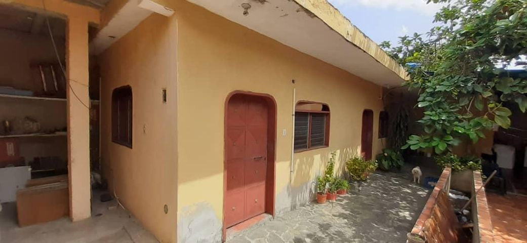 Casa Lara>Barquisimeto>Parroquia Concepcion - Venta:36.000 Precio Referencial - codigo: 21-10425