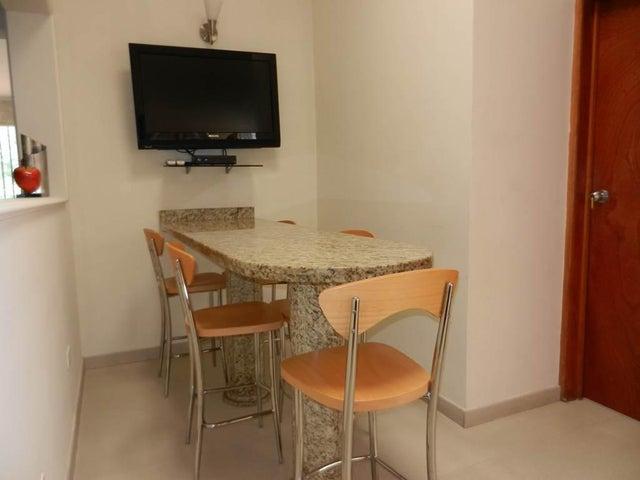 Casa Distrito Metropolitano>Caracas>Prados del Este - Alquiler:2.000 Precio Referencial - codigo: 21-10518