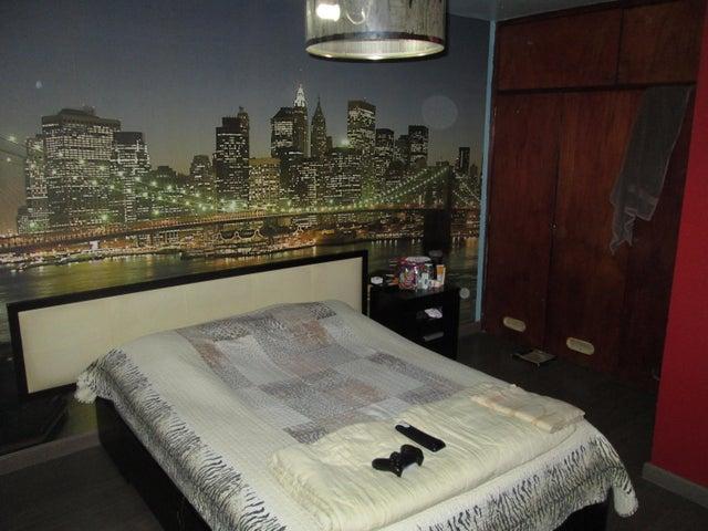 Apartamento Distrito Metropolitano>Caracas>Parroquia La Candelaria - Venta:26.000 Precio Referencial - codigo: 21-10618