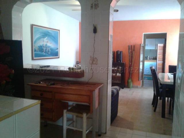 Casa Falcon>Punto Fijo>Campo Maraven - Venta:27.000 Precio Referencial - codigo: 21-10600