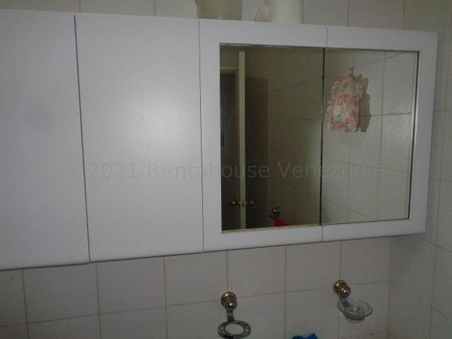 Apartamento Distrito Metropolitano>Caracas>Miranda - Venta:120.000 Precio Referencial - codigo: 21-3143