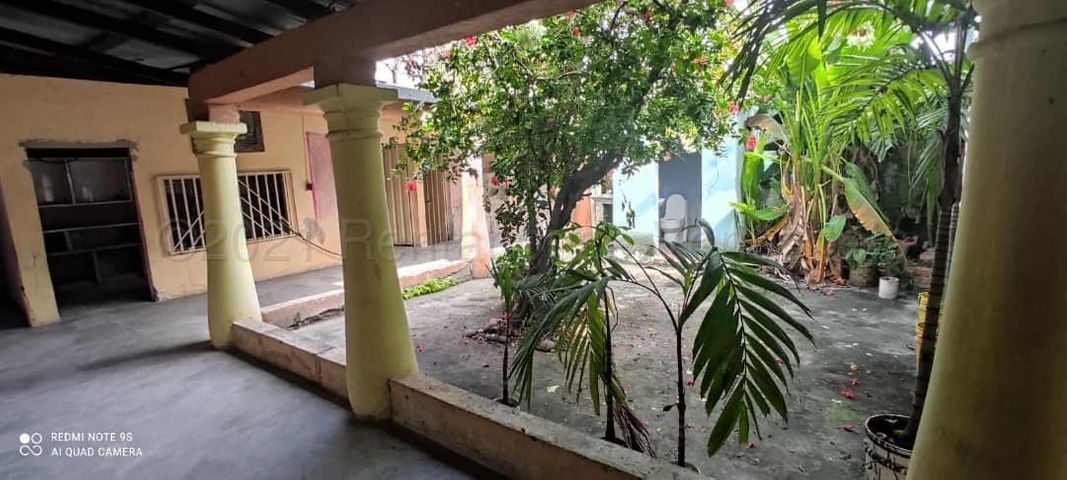 Casa Portuguesa>Acarigua>Centro - Venta:15.000 Precio Referencial - codigo: 21-10737