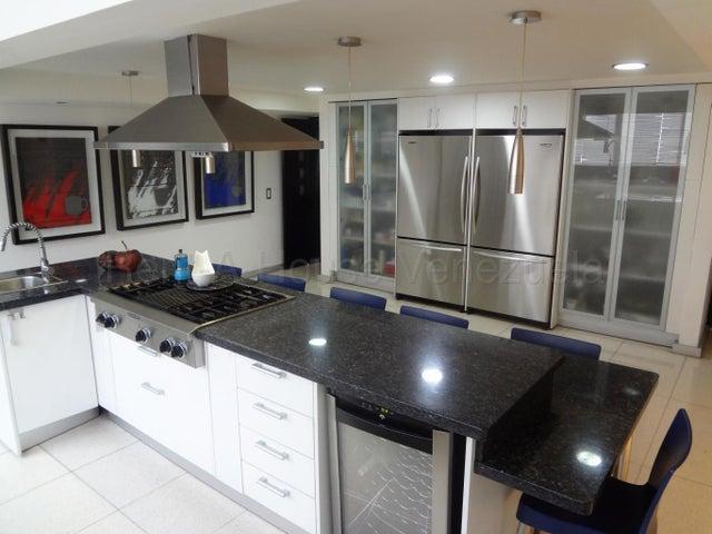 Casa Distrito Metropolitano>Caracas>Prados del Este - Venta:629.000 Precio Referencial - codigo: 21-11147