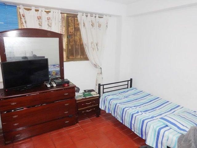 Apartamento Distrito Metropolitano>Caracas>Colinas de Bello Monte - Venta:60.000 Precio Referencial - codigo: 21-11165