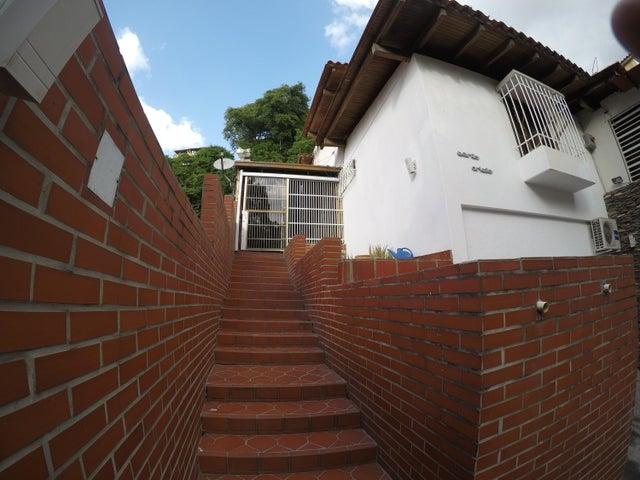Casa Distrito Metropolitano>Caracas>El Paraiso - Venta:85.000 Precio Referencial - codigo: 21-11205