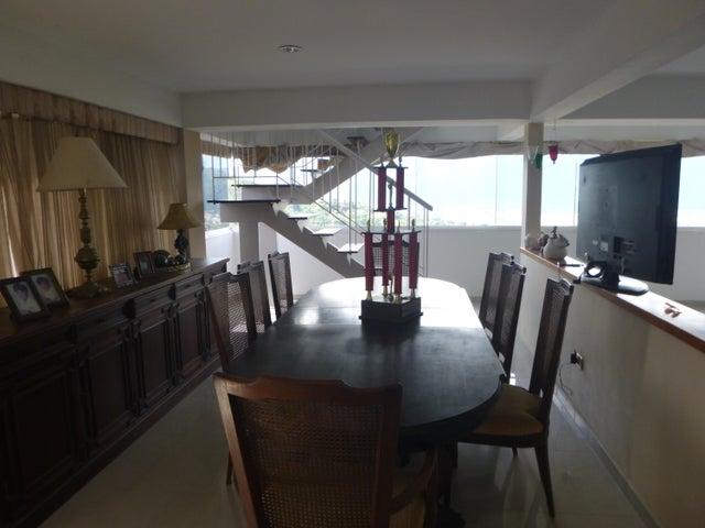 Apartamento Distrito Metropolitano>Caracas>Los Naranjos del Cafetal - Venta:160.000 Precio Referencial - codigo: 21-11337