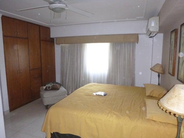 Apartamento Distrito Metropolitano>Caracas>Los Naranjos del Cafetal - Venta:190.000 Precio Referencial - codigo: 21-11337