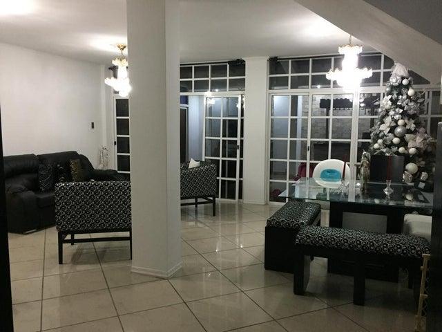 Townhouse Miranda>Guatire>Villa Avila - Venta:90.000 Precio Referencial - codigo: 21-11351