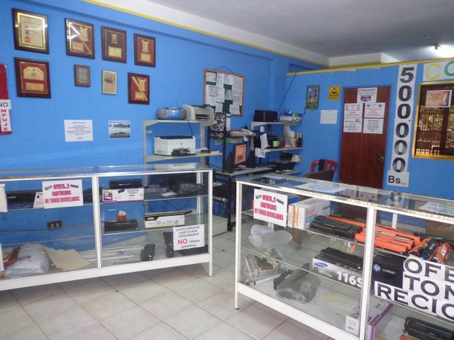 Local Comercial Aragua>La Victoria>Centro - Venta:12.000 Precio Referencial - codigo: 21-11433