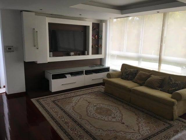 Casa Distrito Metropolitano>Caracas>Macaracuay - Venta:1.300.000 Precio Referencial - codigo: 21-11520