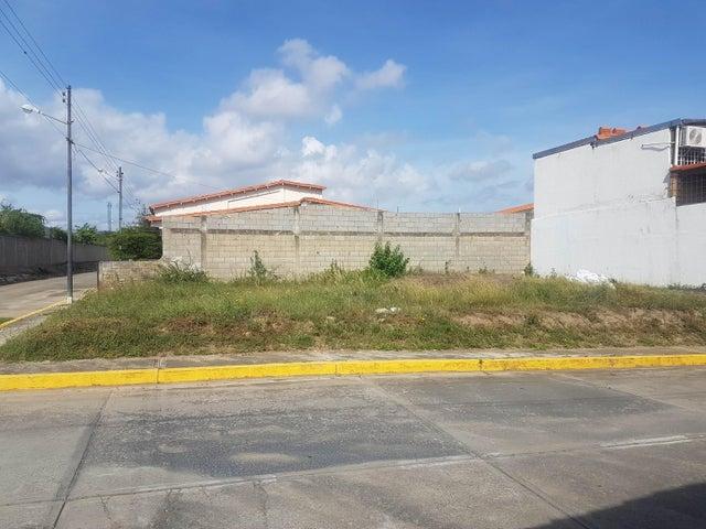 Terreno Lara>Cabudare>Los Samanes - Venta:9.500 Precio Referencial - codigo: 21-11529