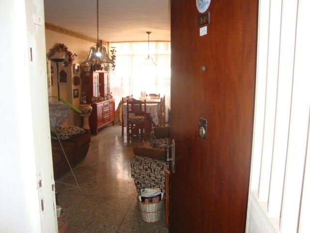 Apartamento Lara>Barquisimeto>Zona Este - Venta:25.000 Precio Referencial - codigo: 21-11596