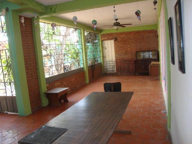 Casa Lara>Barquisimeto>Parroquia Catedral - Venta:120.000 Precio Referencial - codigo: 21-11605