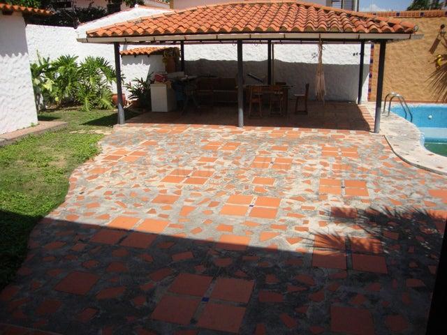 Casa Lara>Barquisimeto>Los Libertadores - Venta:230.000 Precio Referencial - codigo: 21-11608