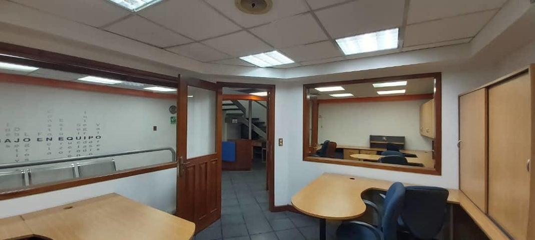 Local Comercial Lara>Barquisimeto>Parroquia Concepcion - Venta:540.000 Precio Referencial - codigo: 21-11675