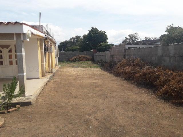 Casa Zulia>Cabimas>Ambrosio - Venta:15.000 Precio Referencial - codigo: 21-11717