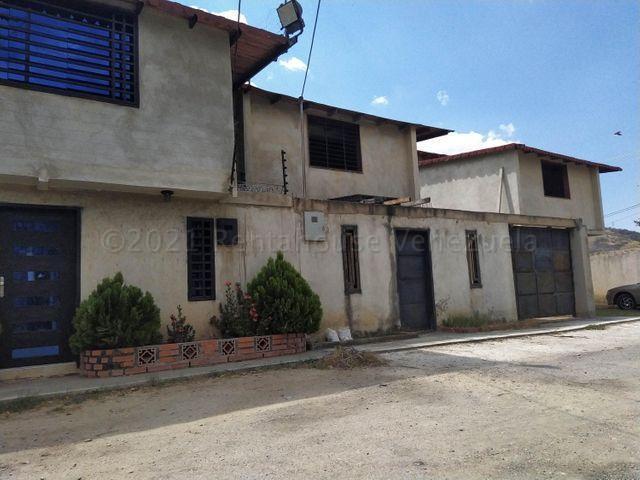 Townhouse Aragua>Turmero>Valle de Paya - Venta:14.000 Precio Referencial - codigo: 21-11776