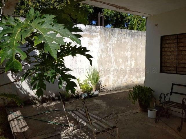 Casa Carabobo>Municipio San Diego>Pueblo de San Diego - Venta:17.000 Precio Referencial - codigo: 21-12020