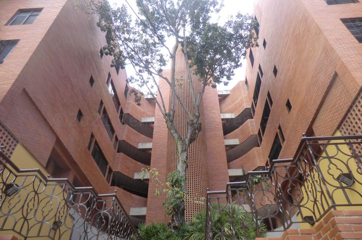 Apartamento Distrito Metropolitano>Caracas>Los Palos Grandes - Venta:300.000 Precio Referencial - codigo: 21-12229