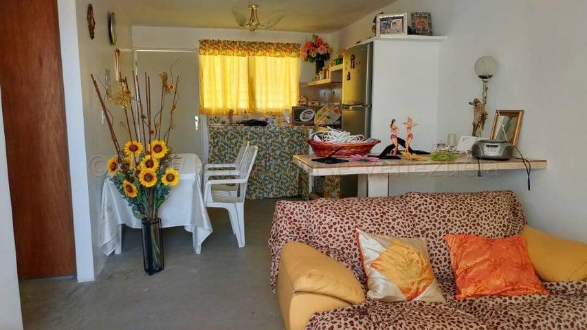 Casa Lara>Barquisimeto>Del Este - Venta:10.000 Precio Referencial - codigo: 21-11982