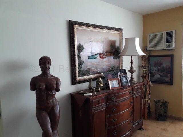 Apartamento Zulia>Maracaibo>Juana de Avila - Venta:18.000 Precio Referencial - codigo: 21-12034