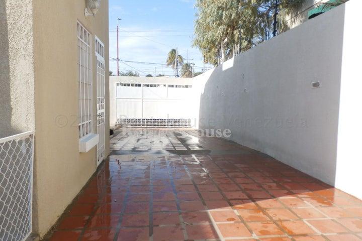 Casa Zulia>Maracaibo>Monte Claro - Venta:60.000 Precio Referencial - codigo: 21-12050