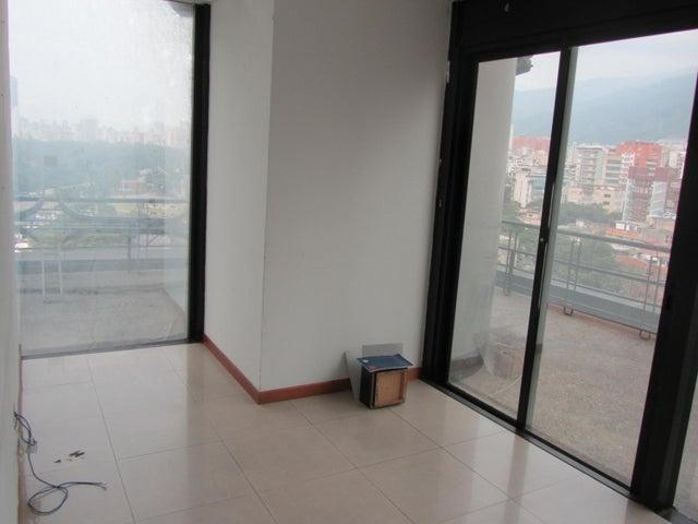 Oficina Distrito Metropolitano>Caracas>Plaza Venezuela - Venta:140.000 Precio Referencial - codigo: 21-12330