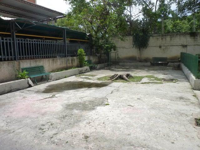 Apartamento Aragua>Maracay>Zona Centro - Venta:18.000 Precio Referencial - codigo: 21-12068