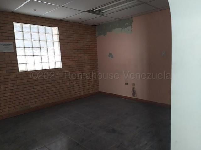 Local Comercial Distrito Metropolitano>Caracas>Los Chaguaramos - Venta:100.000 Precio Referencial - codigo: 21-12090