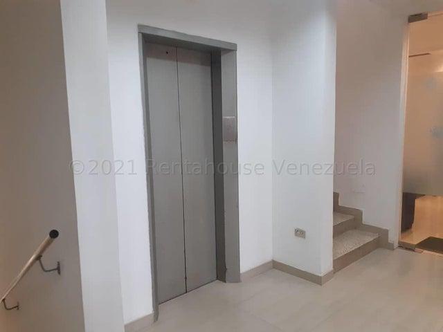 Consultorio Medico  Zulia>Maracaibo>Avenida Falcon - Venta:21.000 Precio Referencial - codigo: 21-12175
