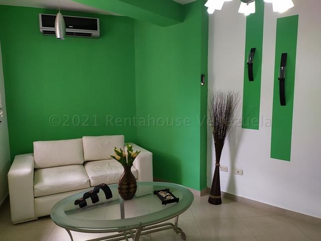 Apartamento Carabobo>Valencia>El Parral - Alquiler:200 Precio Referencial - codigo: 21-12150