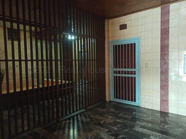 Apartamento Aragua>Maracay>Avenida Los Cedros - Venta:43.000 Precio Referencial - codigo: 21-12168