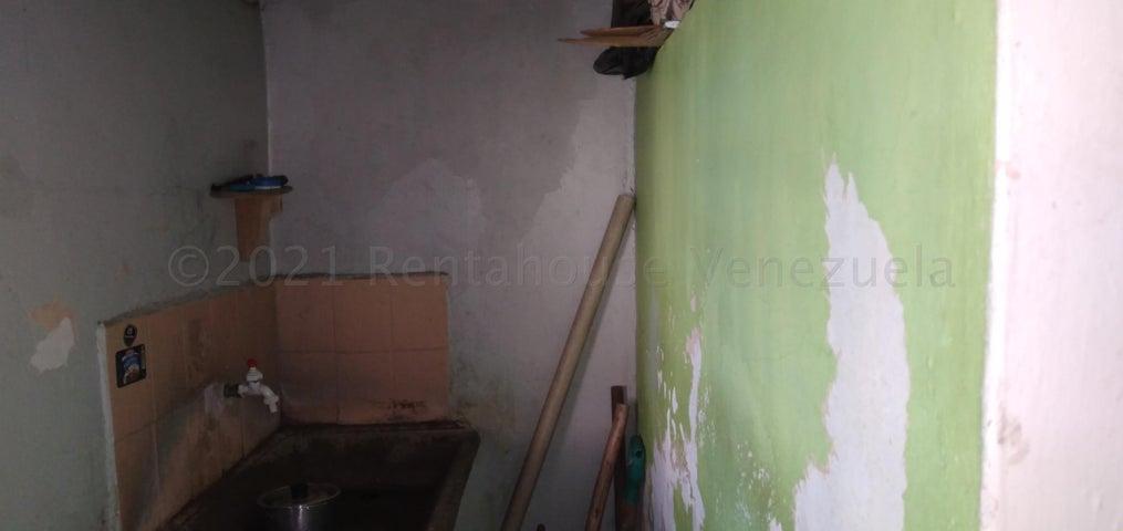 Terreno Lara>Barquisimeto>Parroquia Juan de Villegas - Venta:16.000 Precio Referencial - codigo: 21-12137