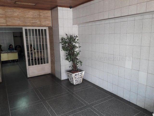 Apartamento Aragua>Maracay>Zona Centro - Venta:10.000 Precio Referencial - codigo: 21-12145