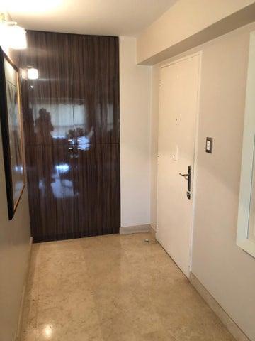 Apartamento Distrito Metropolitano>Caracas>La Alameda - Venta:140.000 Precio Referencial - codigo: 21-12151