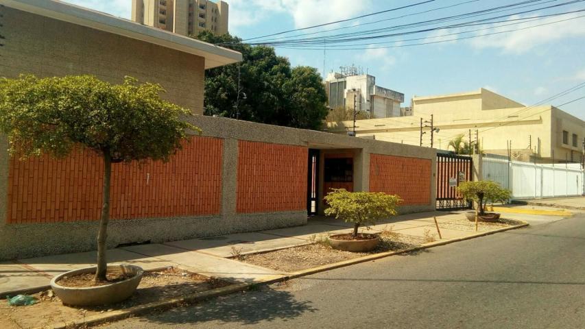 Apartamento Zulia>Maracaibo>5 de Julio - Alquiler:150 Precio Referencial - codigo: 21-12282