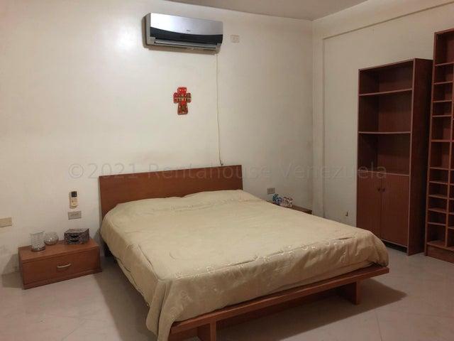 Casa Zulia>Ciudad Ojeda>Barrio Libertad - Venta:35.000 Precio Referencial - codigo: 21-12171